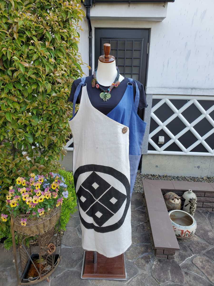 着物リメイク 古布 手作り 大きな紋 ジャンパースカート_画像1
