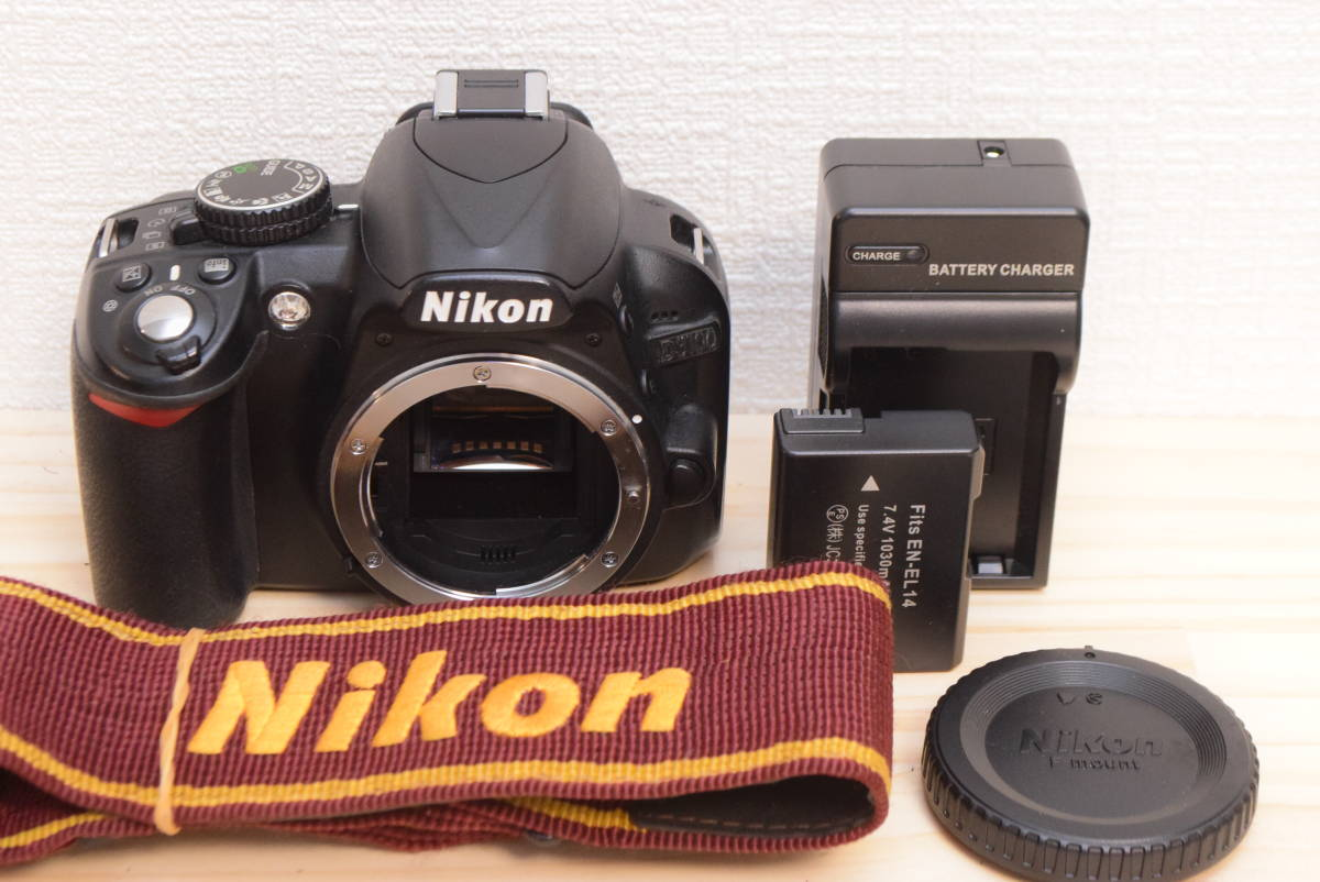 D10◆美品◆ ニコン Nikon D3100 ボディ 【ショット数27043回!】/3082C_画像1