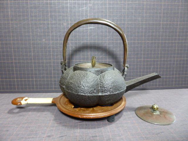 532 南瓜形鉄瓶 替え蓋在 コーヒードリップに 鍋敷き在 満水で600ml