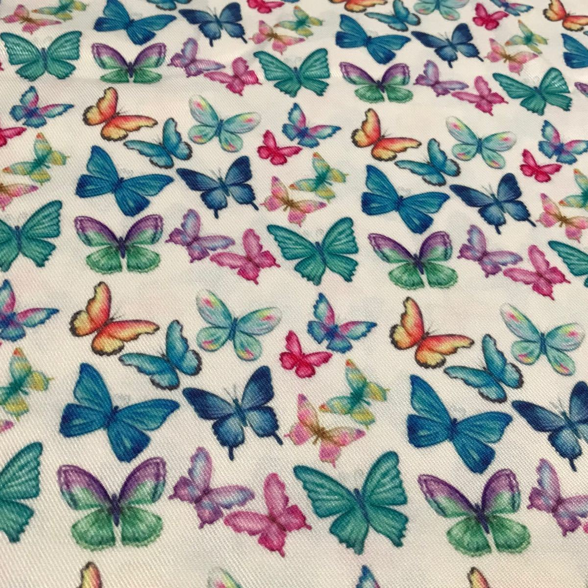 蝶々柄 ちょうちょ 生地 はぎれ 70×50 和柄 着物柄 鬼滅の刃 胡蝶しのぶ
