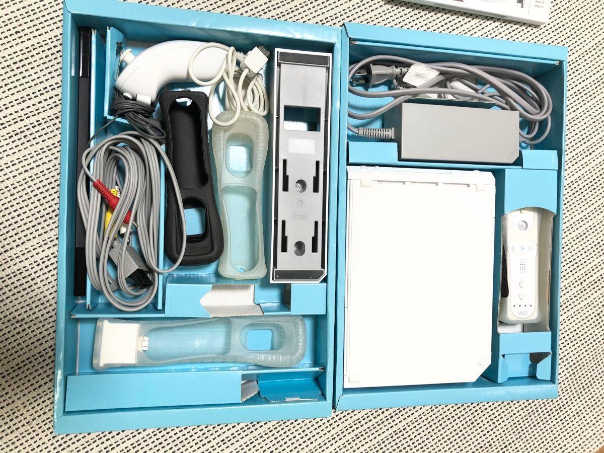 Wii本体 ソフト4枚 コントローラー3本 ハンドル1個 ヌンチャク2個 セット