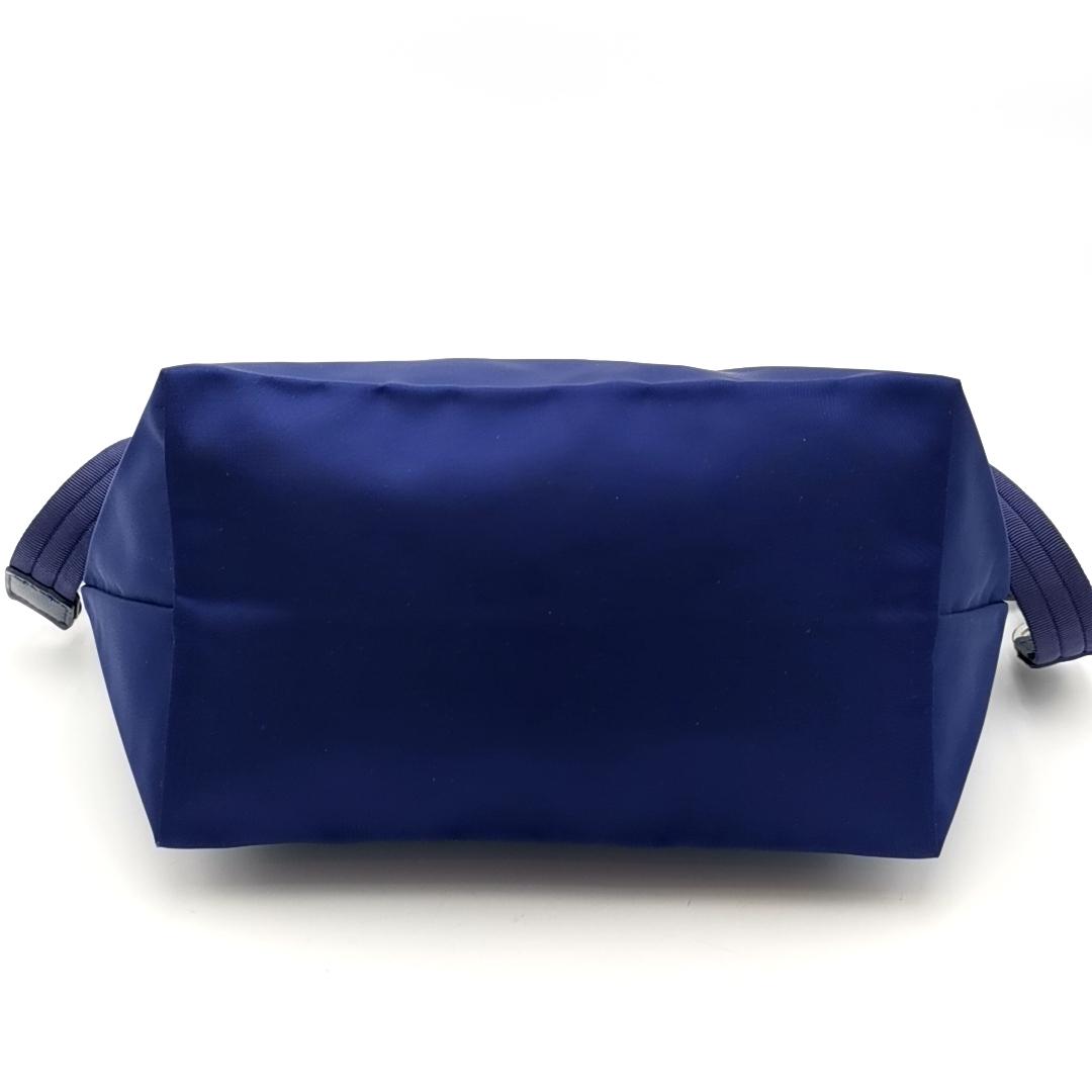 送料無料 超美品 ロンシャン LONGCHAMP ハンドバッグ トートバッグ ショルダーバッグ 鞄 2WAY ル プリアージュ ナイロン 紺系 レディース_画像4