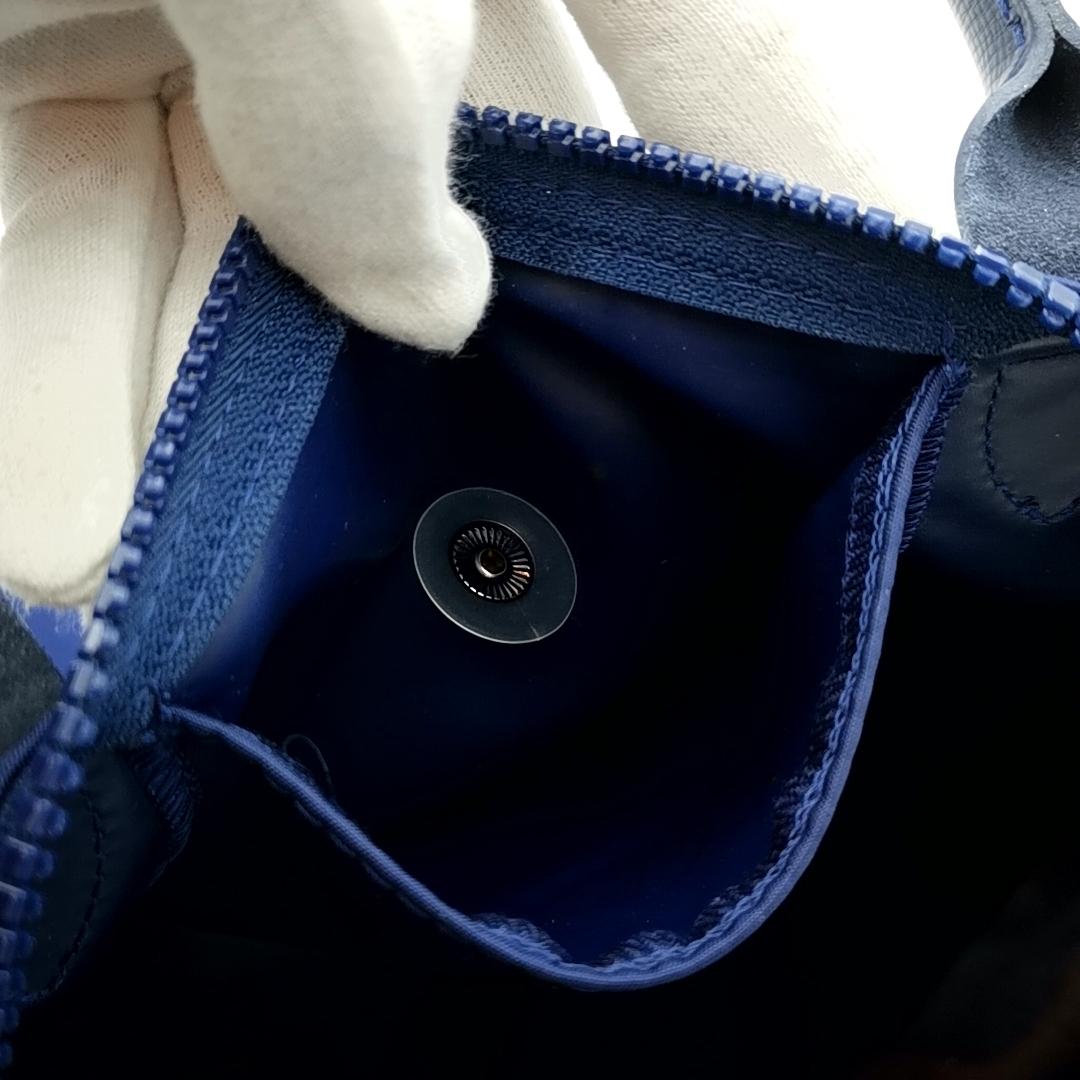 送料無料 超美品 ロンシャン LONGCHAMP ハンドバッグ トートバッグ ショルダーバッグ 鞄 2WAY ル プリアージュ ナイロン 紺系 レディース_画像10