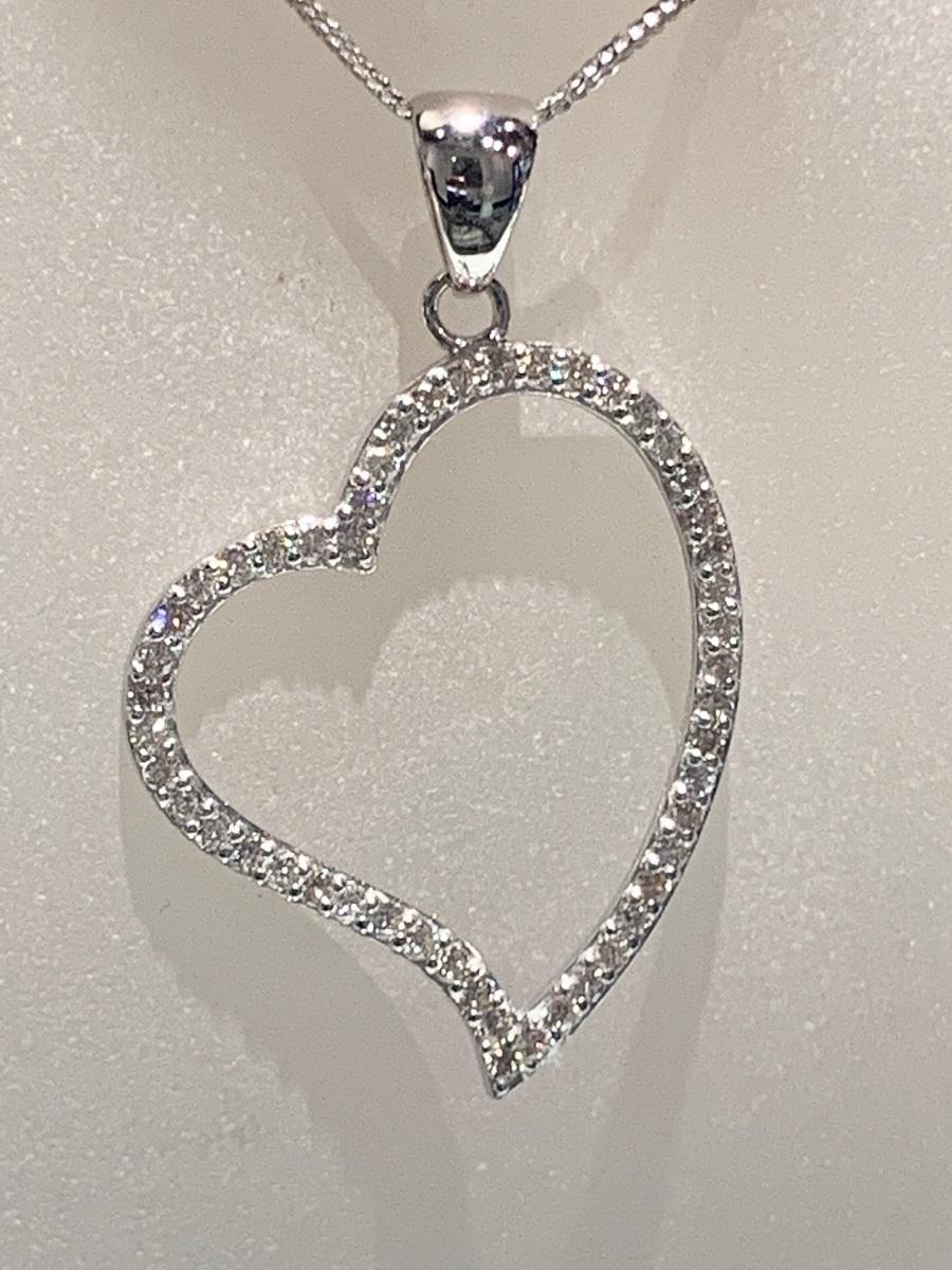 ☆税込☆<K18WG 7.0g>1.00ctダイヤモンドネックレス 大きなハート_画像2