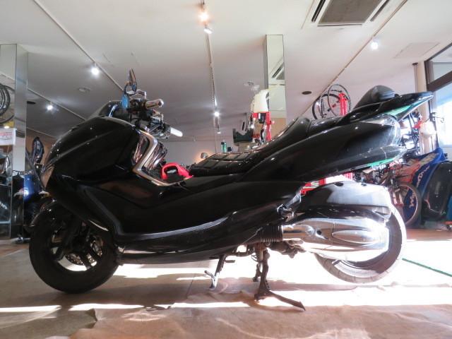 「□ヤマハ マジェスティ 250 JBK-SG20J ブラック 走行距離25060kmkm 250cc 社外マフラー 実動! ビッグスクーター バイク 札幌発」の画像2