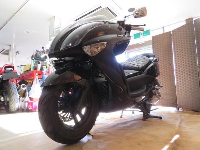 「□ヤマハ マジェスティ 250 JBK-SG20J ブラック 走行距離25060kmkm 250cc 社外マフラー 実動! ビッグスクーター バイク 札幌発」の画像3