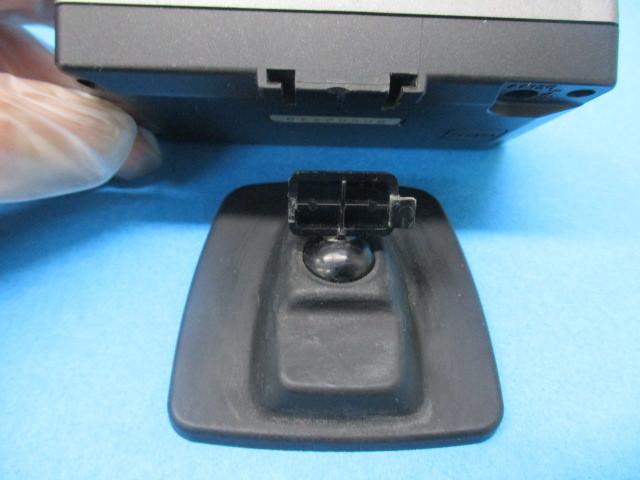 ユピテル Super Cat GPSレーダー探知機【 PGRO1si 】2.2型IPS オールイン ワンボディ Yupiteru スーパーキャット SDカード欠品 中古品_取付ステー側 接合爪 片方欠損です。