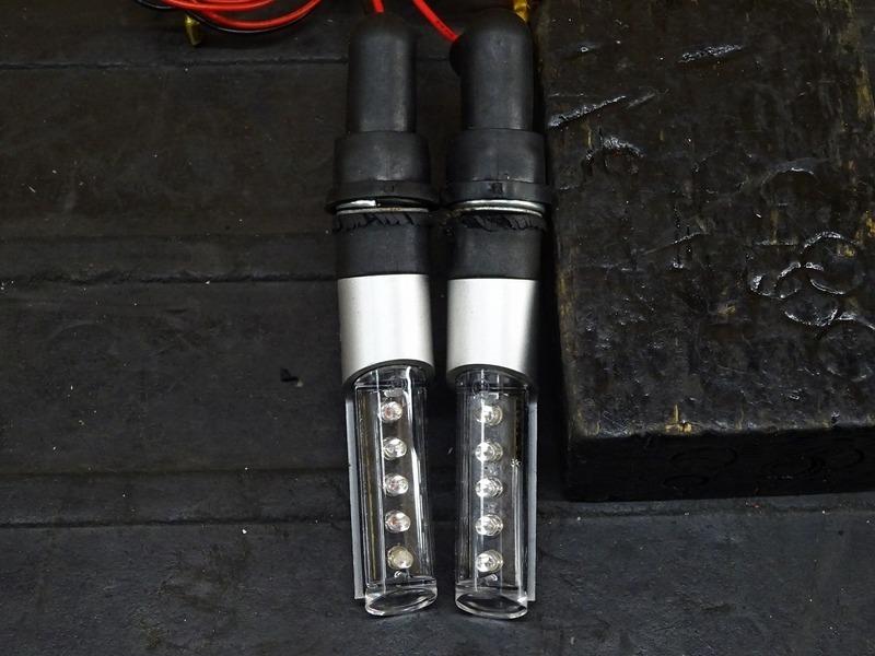 【210502】◇ 汎用社外LEDウインカー前後左右セット フロント リア ウィンカー ステー BARRACUDA バラクーダ【グロム GROM_画像3