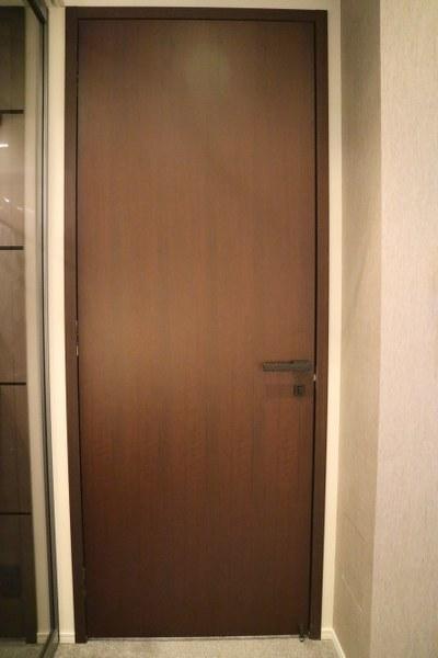 セール G4C-D4 ◇ 880*2200(枠外) ◇ 錠付 ◇ 左吊ドア ◇ 枠付 ◇ ストッパー付 ◇ 展示品_画像2