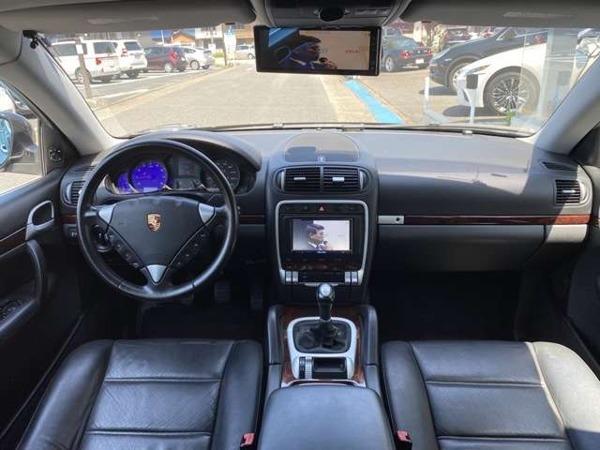 「カイエン 3.2 4WD 6Fマニュアル/黒革シート/サンルーフ」の画像3