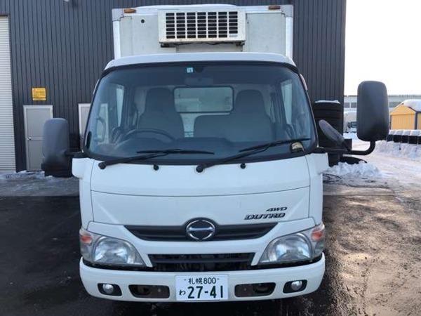 「デュトロ 2tセミロング中温冷凍車ー7℃ 5MT 4WD」の画像2