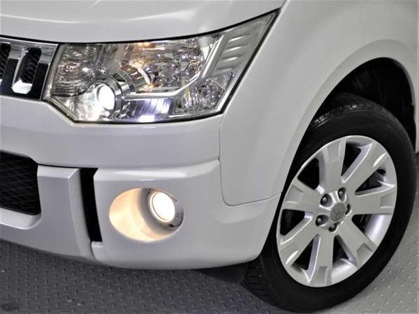 デリカD:5 2.4 G プレミアム 4WD 両側パワスラ パワーバックドア HID_下にある[写真を見る]で全写真を見れます