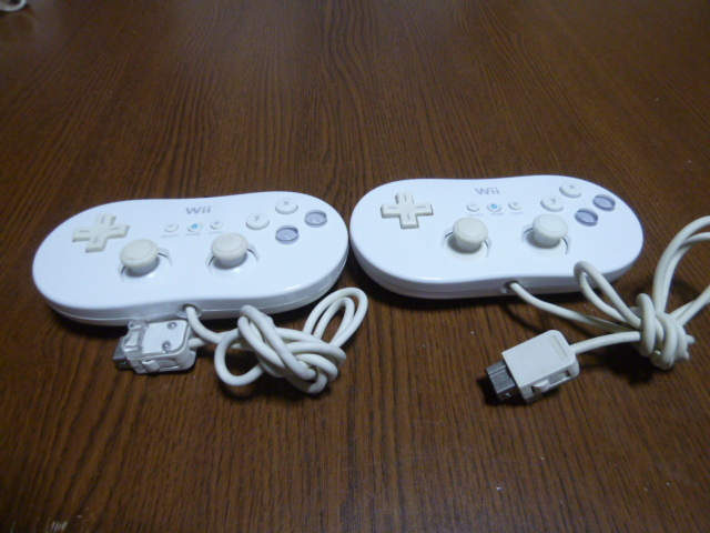 C47【送料無料 動作確認済】Wii クラシックコントローラ 任天堂純正 2個セット  クラッシックコントローラー 白 ホワイト