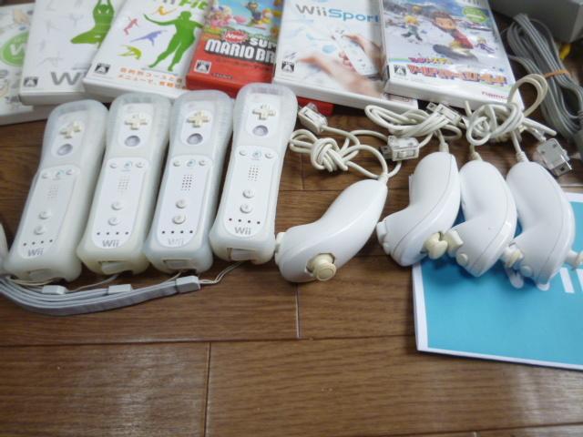 WH61【送料無料 即日配送 動作確認済】Wii すぐに4人で遊べるセット Wiiスポーツ Wiiフィットプラス スキー&スノボ マリオブラザーズ