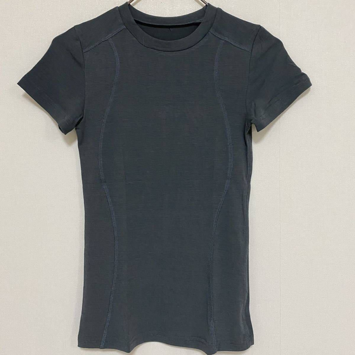 パネルステッチタイトフィット半袖スポーツTシャツMサイズ グレー 吸湿速乾 ヨガ半袖 ヨガウェア ピラティス トレーニング ランニング ジム