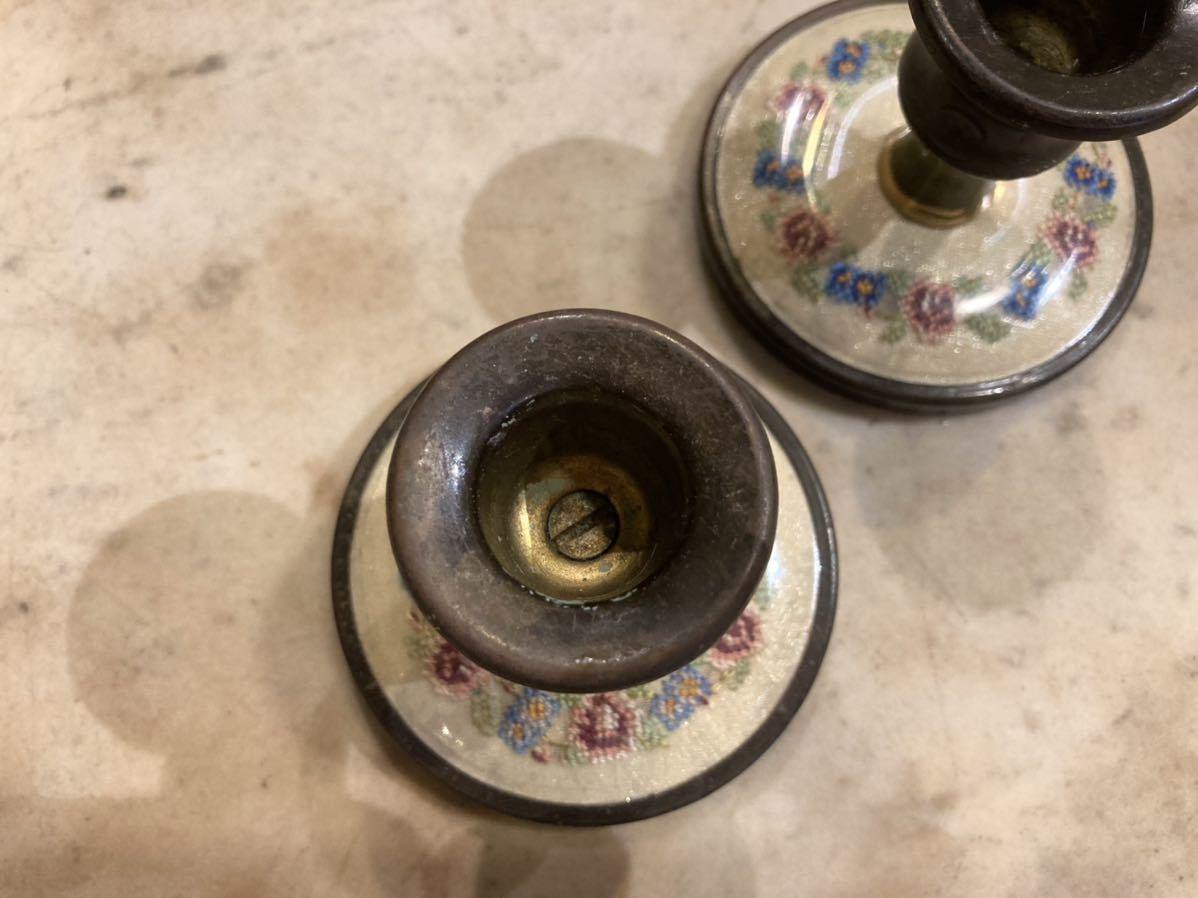 ■英国アンティーク プチポワン キャンドルホルダー 2個セット 真鍮製 燭台 細密刺繍 ハンドクラフト 伝統工芸 インテリア イギリス■ _画像3