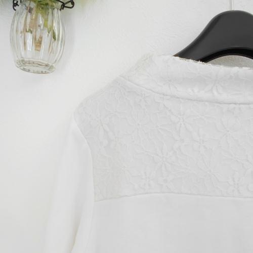 メゾピアノ mezzopiano S 140cm 長袖 Tシャツ 白 ホワイト レース ロゴ 刺繍 ゴールド トップス_画像6
