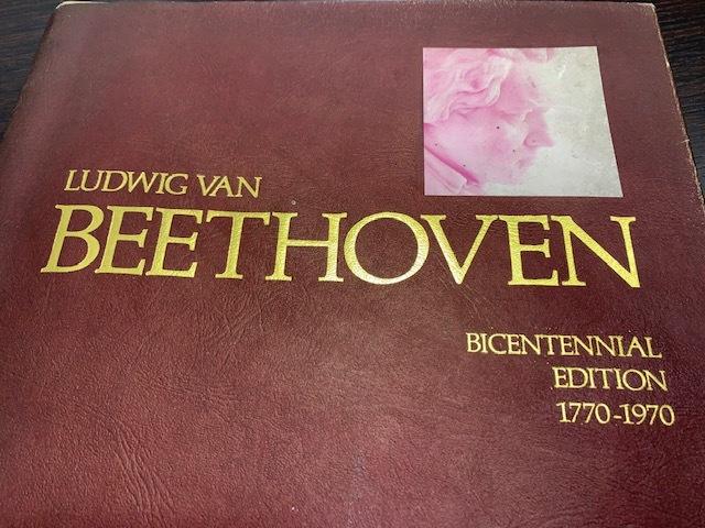 古書 ベートーヴェン LUDWIG VAN BEETHOVEN BICENTENNIAL EDITTON 1770-1970 個人保管_画像3
