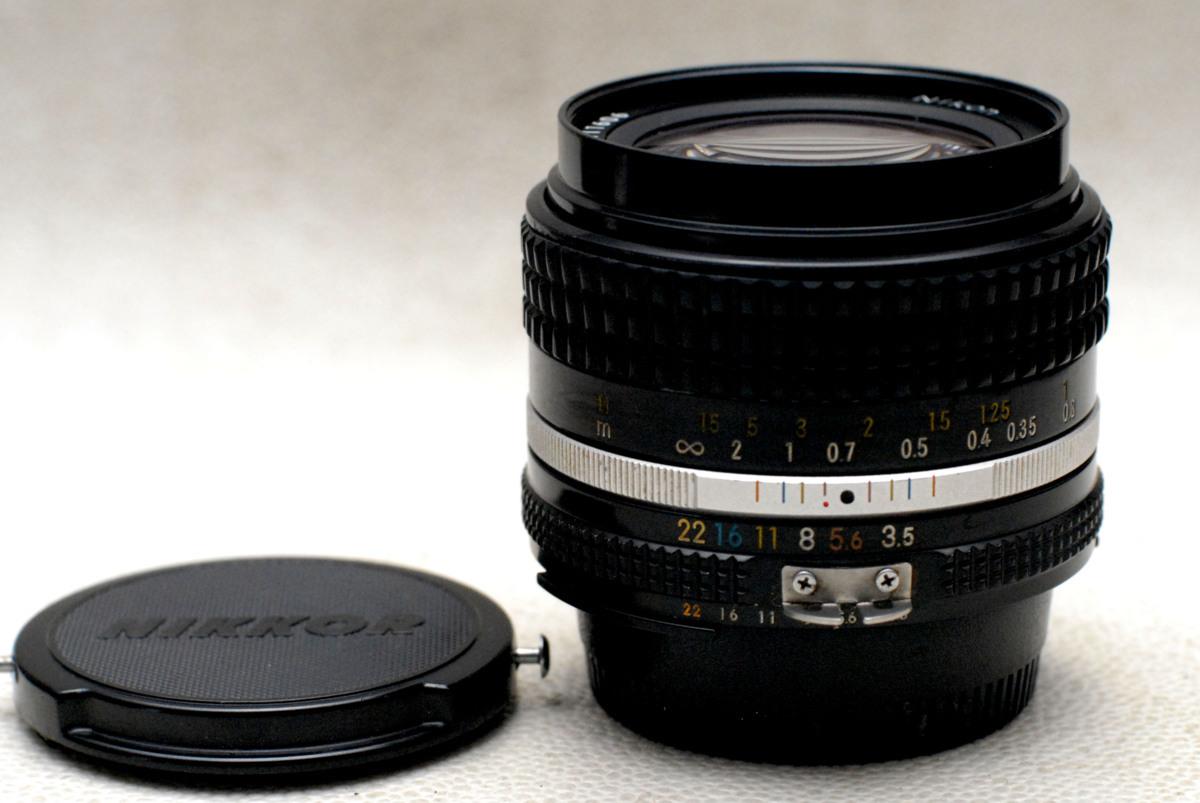 Nikon ニコン 純正 NIKKOR 28mm 単焦点高級ワイドレンズ 1:3.5 希少・完動品 (Ai)