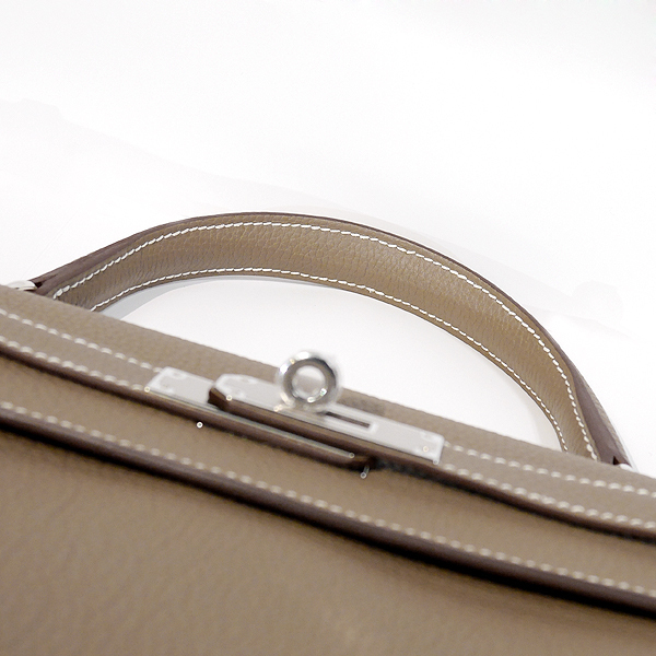 【値下げ】HERMES エルメス ケリー 32 内縫い エトープ(エトゥープ)トゴ シルバー金具 Y刻印 2021年購入 ケリーバッグ 新品 国内正規品_シルバー金具となります。