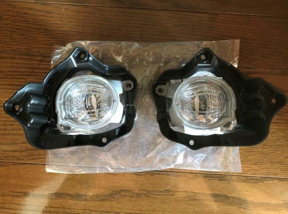 ヤリスクロス LEDフォグランプ セット 純正品 送料0円 yf6 10系 取付説明書付
