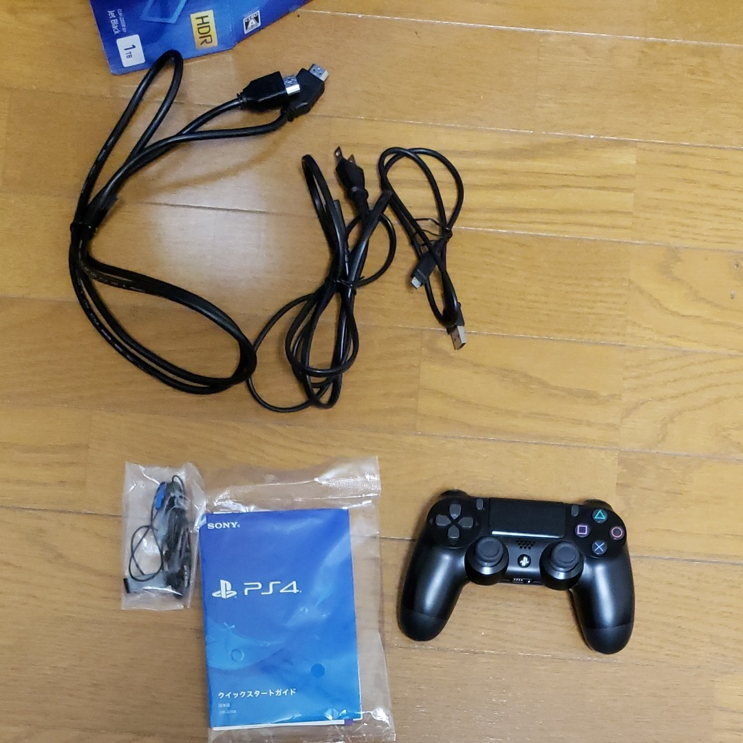 動作確認済 PS4 1TB CUH-2200B B01 jet black