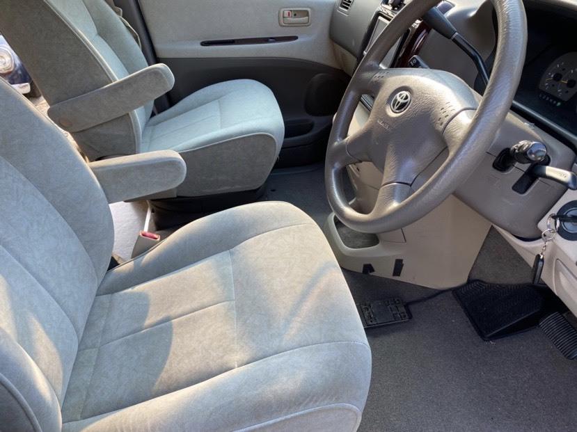 「トヨタ グランドハイエース キャンピングカー H15年式 7人乗り 車検有り 2WD 電子レンジ 冷蔵庫 シンク インバータ付き スタッドレス 」の画像3
