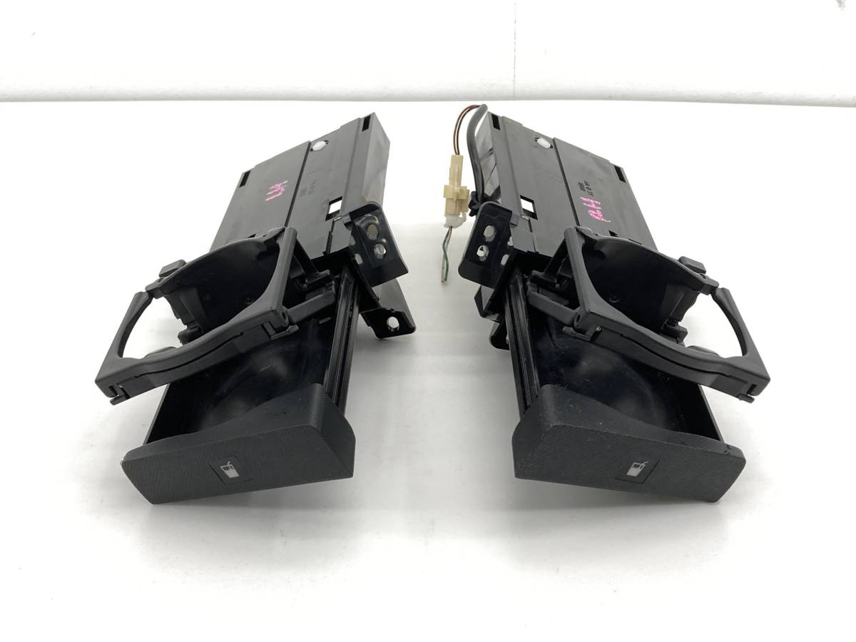 _b58101 ダイハツ ムーヴ ムーブ カスタム X DBA-L175S ダッシュボード ドリンクホルダー 左右 LH RH FM11 L185S_画像1