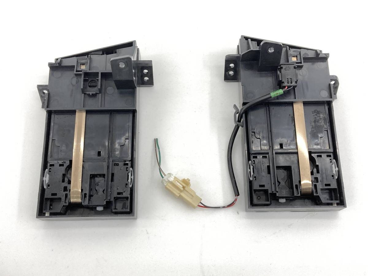 _b58101 ダイハツ ムーヴ ムーブ カスタム X DBA-L175S ダッシュボード ドリンクホルダー 左右 LH RH FM11 L185S_画像5