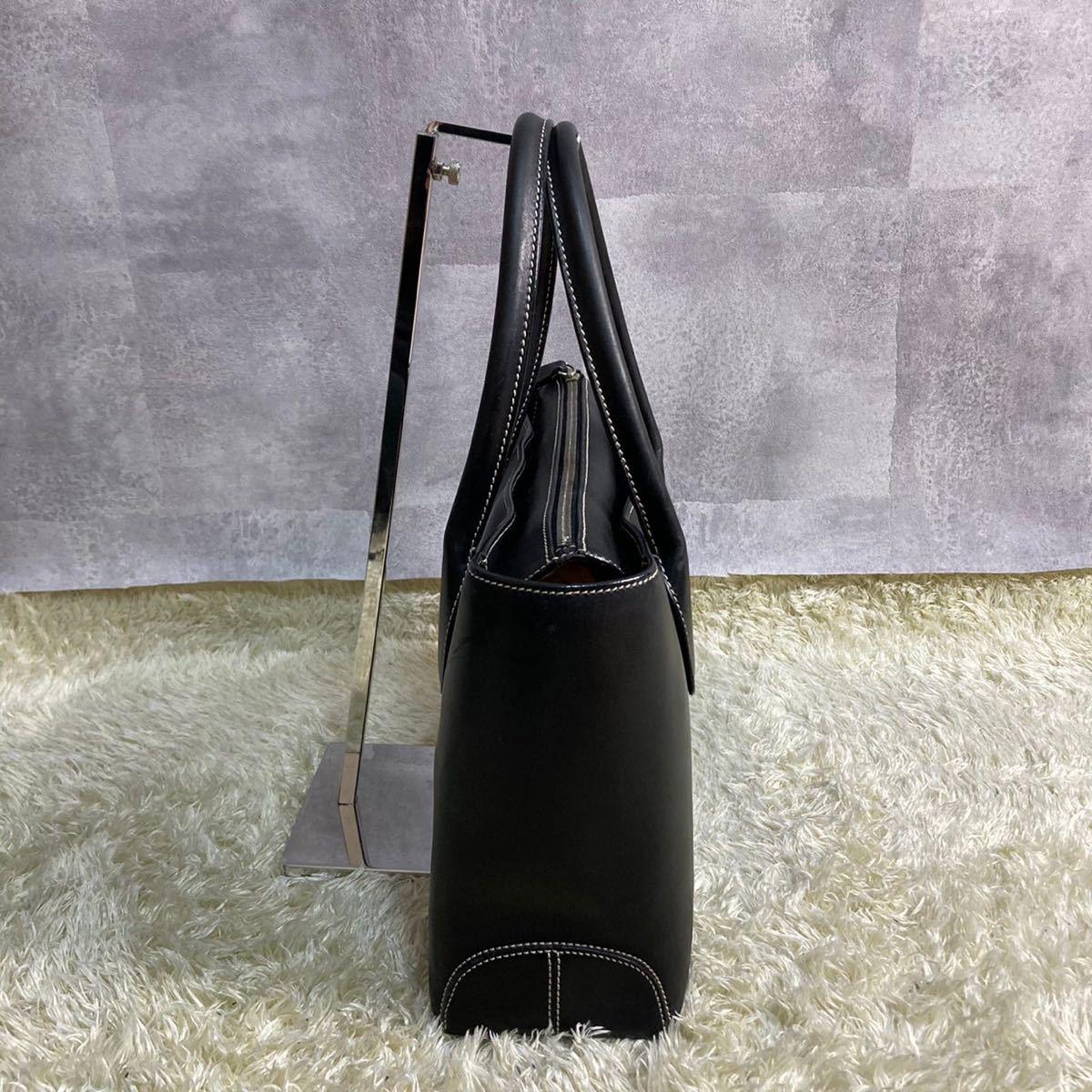 TOD'S トッズ 2way トートバッグ ショルダーバッグ レザー 本革 A4ファイル収納可能 肩掛け ステッチ 黒 ブラック