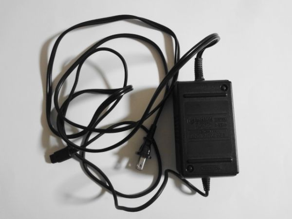 送料無料 即決 任天堂 ニンテンドー ゲームキューブ GC ACアダプター DOL-002 本体 アクセサリー レトロ ゲーム 周辺機器 b809