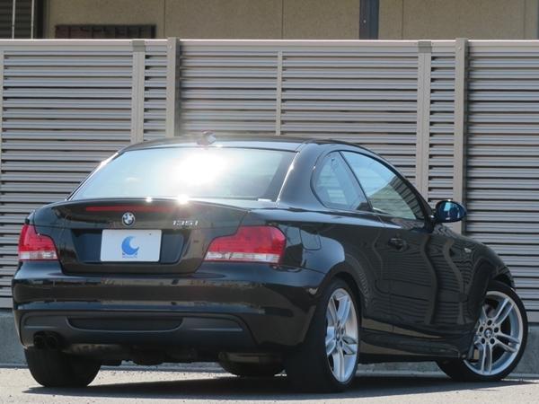 「BMW 135iクーペ 機関良好/禁煙/修復歴無し/車検R3年12月【Mスポーツエアロ&18インチAW/赤本革/HDDナビ/ETC/バイキセノン/スペアキー】」の画像2