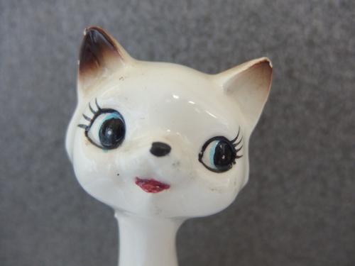 0410413w【陶器製 猫の人形 2体セット】置物/昭和レトロ/H15.3cm,11.8cm/中古品_画像2