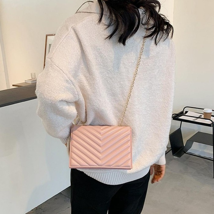 ショルダーバッグ ピンク かわいい チェーンベルト 人気 レディースミニサイズ 斜めがけ 新品未使用 送料無料 匿名配送 迅速発送