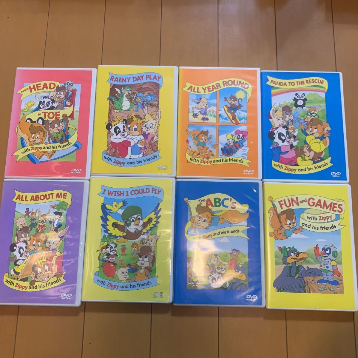 ワールドファミリー  DVD 8本&バッチセット