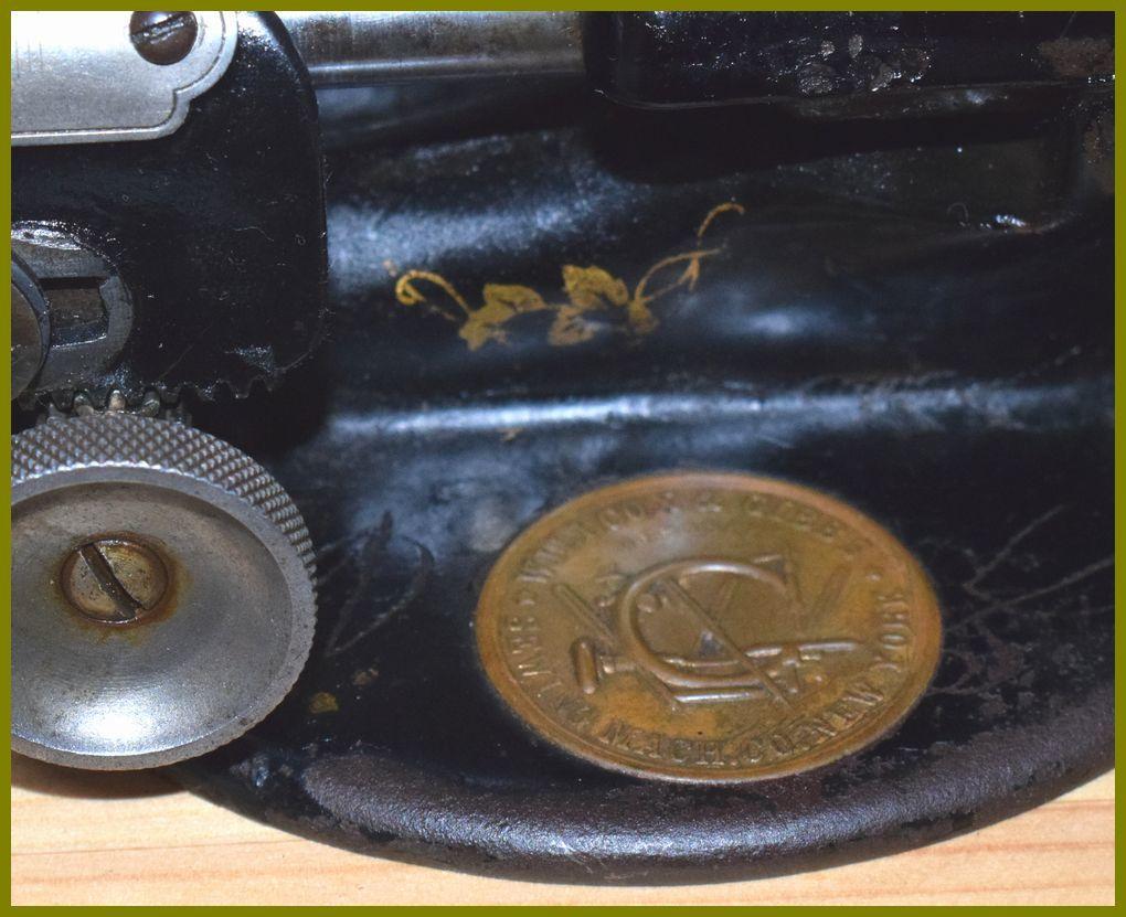 卓上型ブレードミシン Willcox & Gibbs 製  (中古) 帽子_画像6