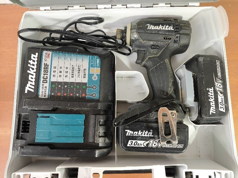 【電動工具】マキタ インパクトドライバ (バッテリー・充電器・ケース付) ブラック TD149DRFXB(TD149D) 軸ブレ、モータ異音無 動作確認済_画像1