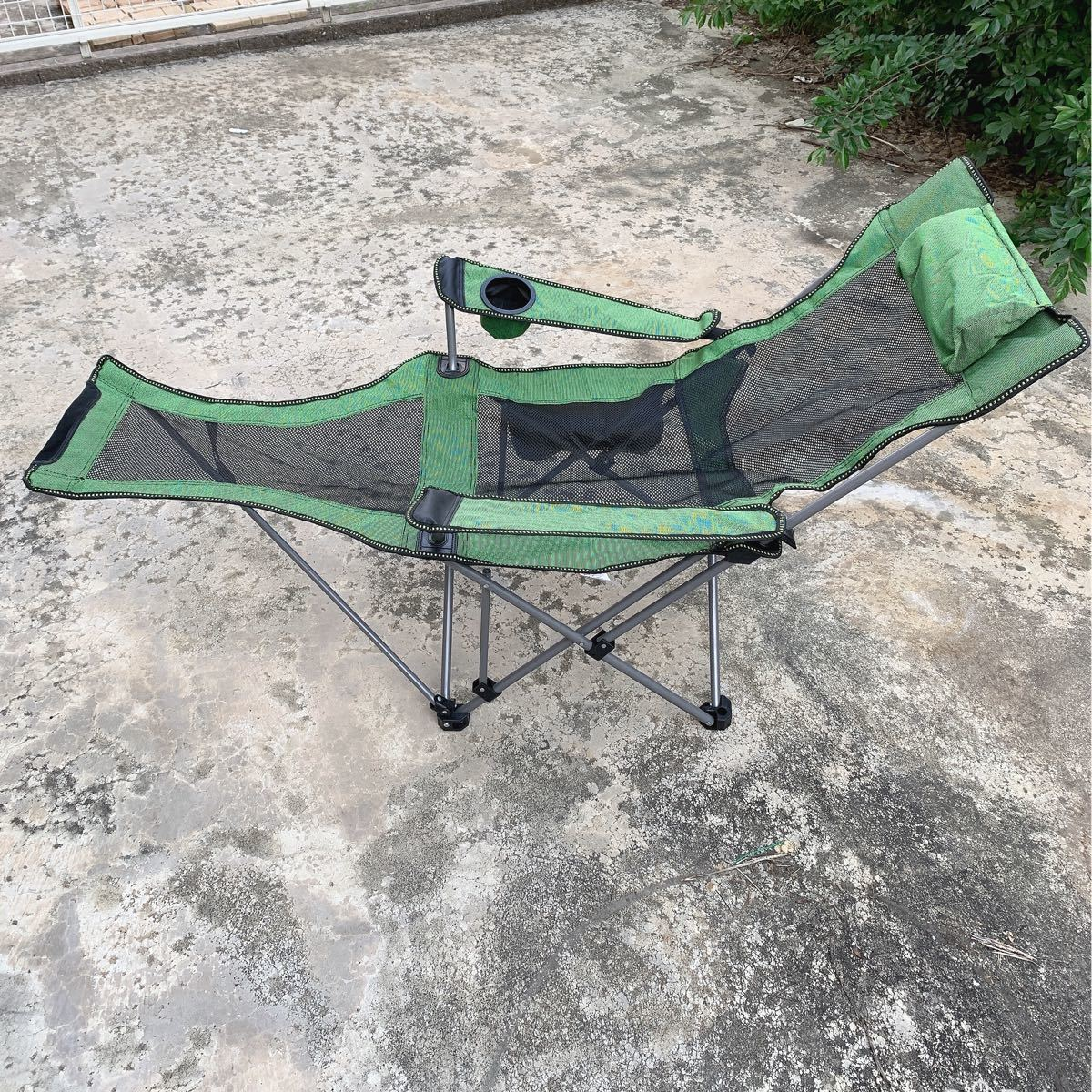 アウトドアチェア リクライニングチェア キャンプイス グリーン 収納袋 折り畳み椅子 アウトドア用品【KP0001】