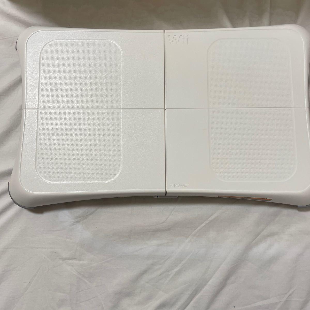 週末値下!任天堂Wii 本体箱なしwii fit Plus モムチャンダイエット未開封 ジャストダンス2  ダイエットソフト3本