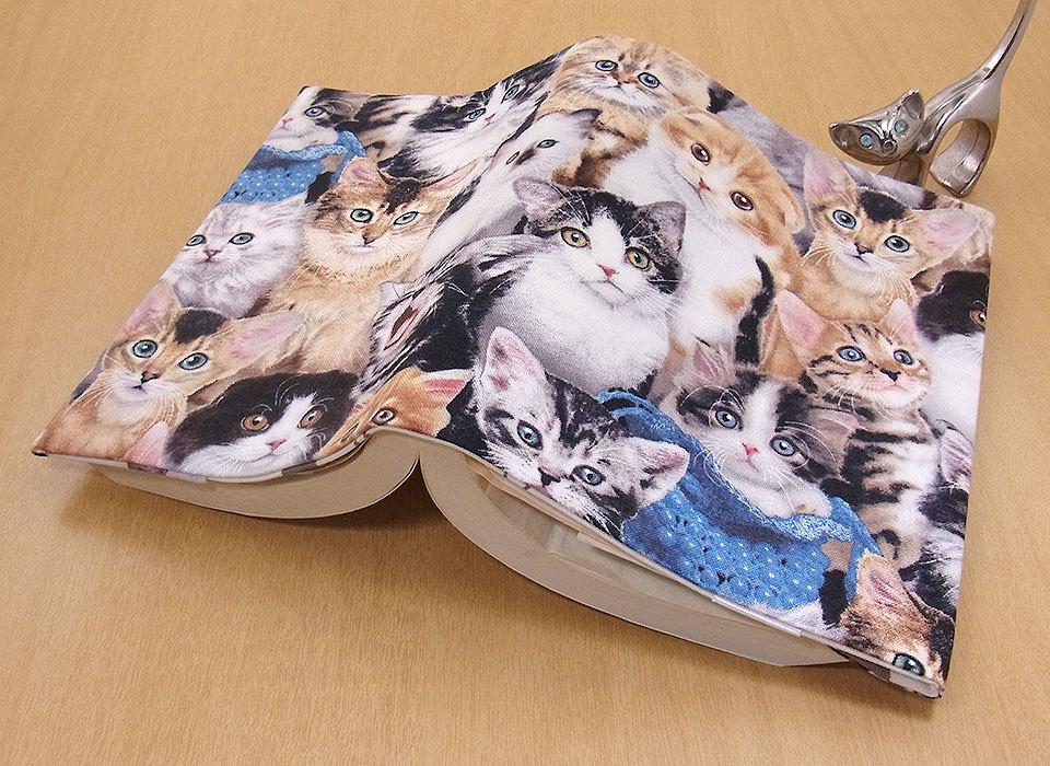 24 B ハンドメイド 手づくり 文庫本② ブックカバー 子猫いっぱい ソマリ 猫 ねこ ネコ キャット cat プレゼント 贈り物_調整可能です。