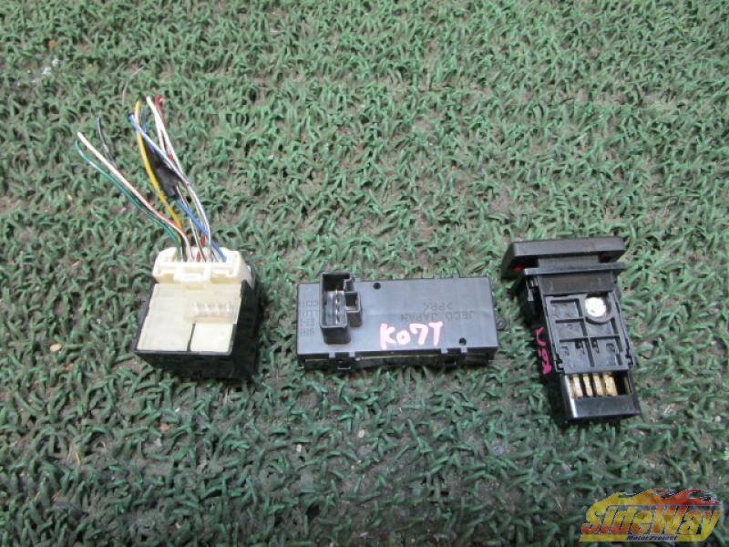 S_マーク2(GX110)ドアミラー操作スイッチ+他2点【K07T】_画像2