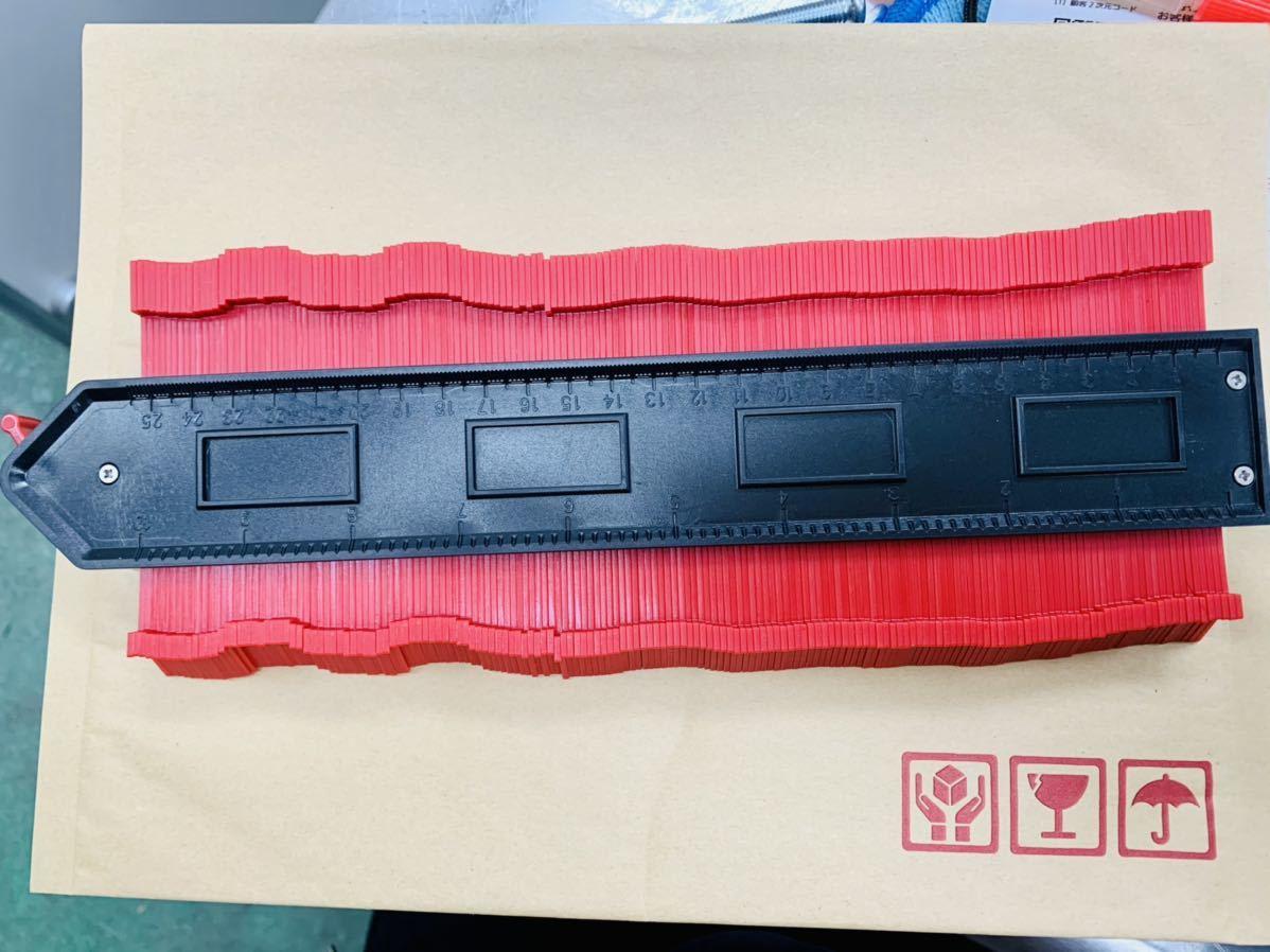 新品 型取りゲージ 250mm コンターゲージ ロック付き, 幅広 測定ゲージ 曲線定規 DIY用測定工具 不規則な測定器 (レッド)_画像8
