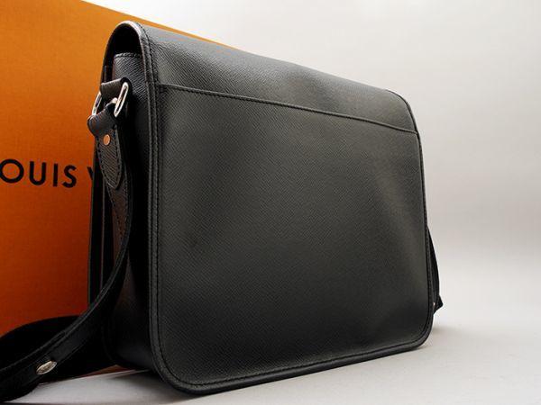 ■【ほぼ未使用】ルイヴィトン Louis Vuitton タイガ アンドレイ 斜め掛け ショルダーバッグ メンズ ブラック 極美品 定価約20万_画像2