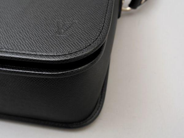 ■【ほぼ未使用】ルイヴィトン Louis Vuitton タイガ アンドレイ 斜め掛け ショルダーバッグ メンズ ブラック 極美品 定価約20万_画像4
