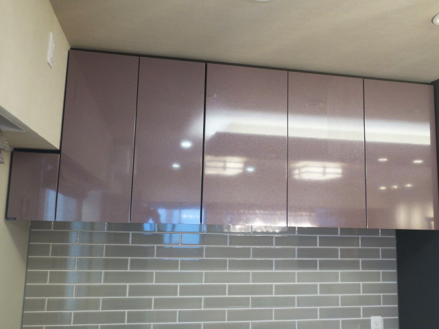 23775■タカラスタンダード カップボード 食器棚 上下棚 W2040 高級人造大理石■展示品/取り外し品/未使用品_画像2