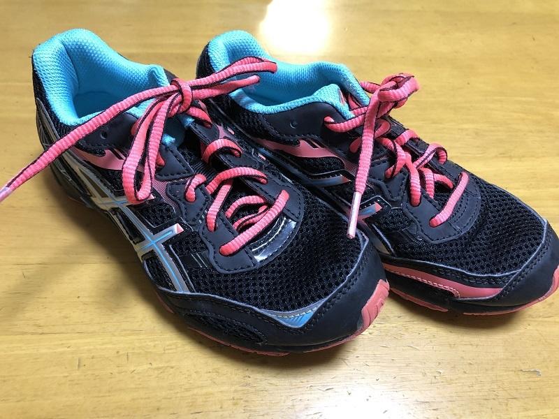中古 アシックス 21.0cm 紐靴 運動靴 小学生 女の子_画像3