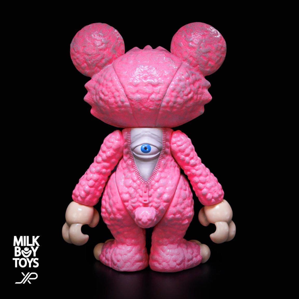 新品 JPX x MILKBOY TOYS IT BEAR the animated TOYS itbear kenth toy works BLACK PEARLS イットベアー ミルクボーイトイズ ソフビ_画像2