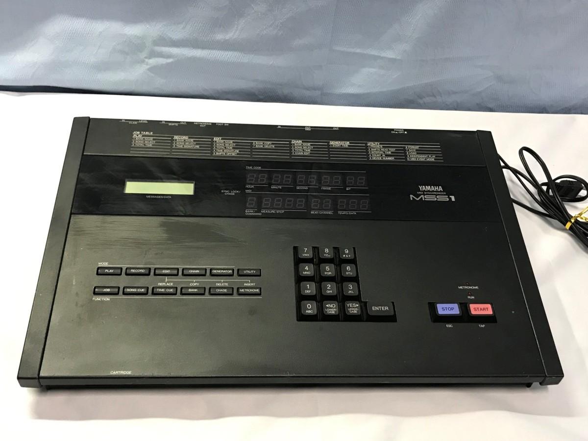 21B102 送料無料 YAMAHA MIDI SYNCHRONIZER MSS1 ヤマハ シンクロナイザー ジャンク 通電確認済_画像1