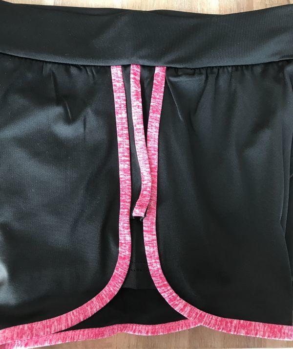 スポーツウェア ショートパンツ S黒 ピンクライン レディースボトムス 短パン ヨガ ウオーキング フィットネス ダンス ランニング