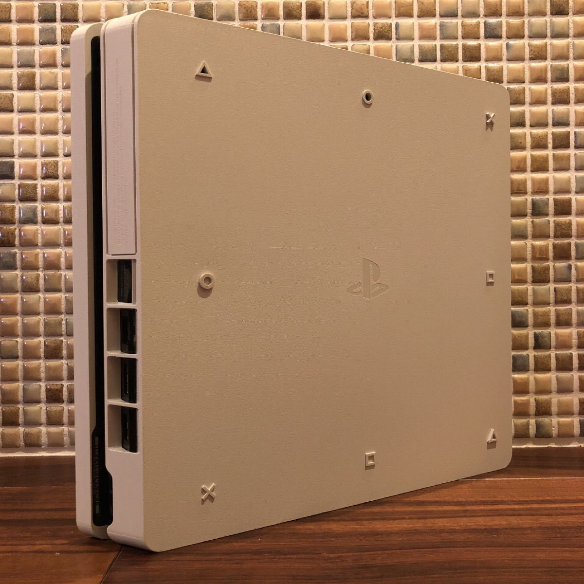 【コントローラーなし】プレイステーション4 PS4 本体 CUH-2200  グレイシャーホワイト